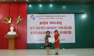 Tập thể xuất sắc năm 2019 nhận bằng khen của UBND thành phố Hà Nội