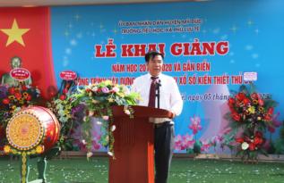 Ông Lê Đức Thịnh - Chủ tịch Công ty tại Lễ gắn biển trường Tiểu học Phù Lưu Tế - huyện Mỹ Đức