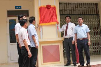 Lễ gắn biển công trình xây dựng từ nguồn thu xổ số kiến thiết tại trường THCS Hòa Nam huyện Ứng Hòa