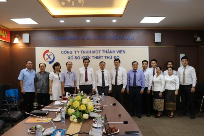 Nhiệt liệt chào mừng đoàn Công ty doanh nghiệp Xổ số Lào đến thăm và làm việc tại Công ty TNHH một thành viên Xổ số kiến thiết Thủ đô