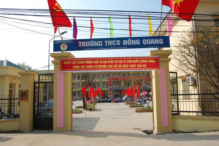 Lễ gắn biển công trình xây dựng bằng nguồn thu xổ số kiến thiết tại trường THCS Đồng Quang, huyện Quốc Oai